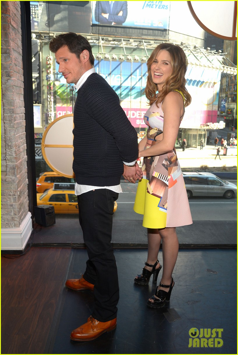 sophia bush nicky lachey reminisce about kissing on big morning buzz live 063065793