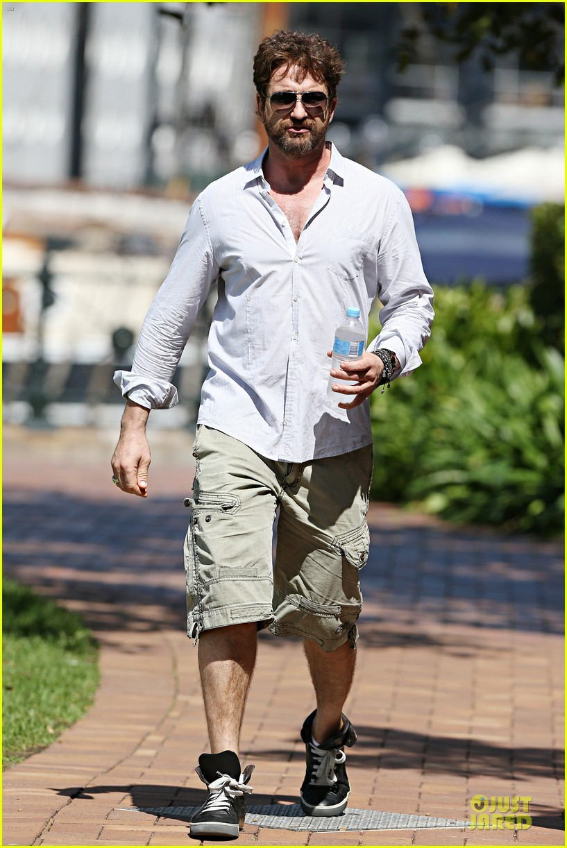 gerard butler crashed bachelorette party in australia 053074437