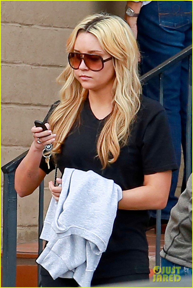 amanda bynes looks happy with her family 09
