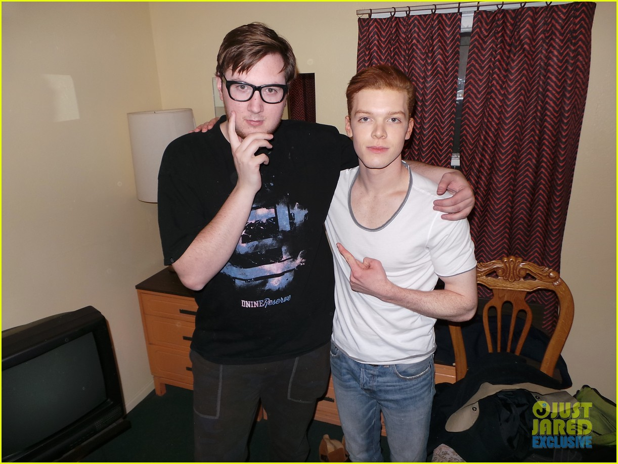 cameron monaghan jj spotlight behind the scenes 043066045