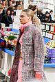 cara delevingne kendall jenner walk supermarket inspired runway at chanel show 02