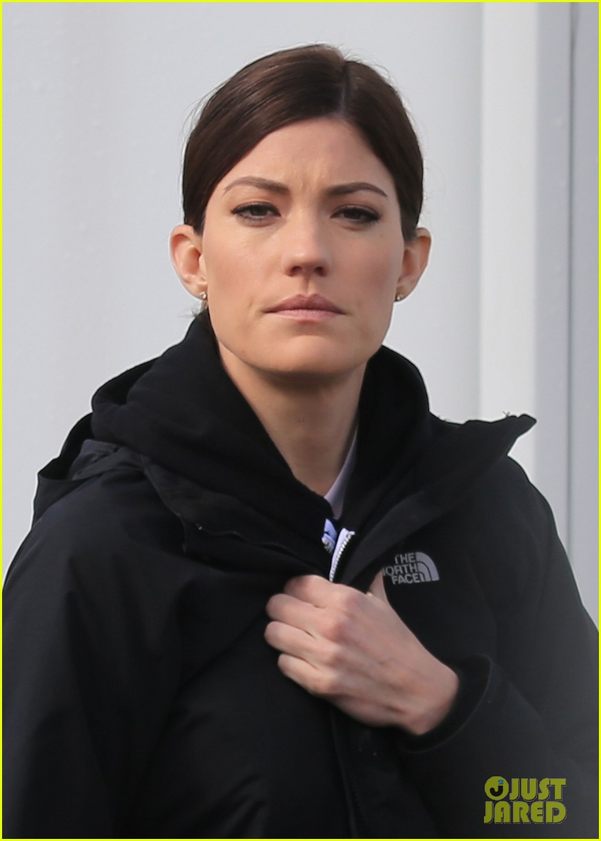 jennifer carpenter finishes up filming sea of fire in canada 023075330