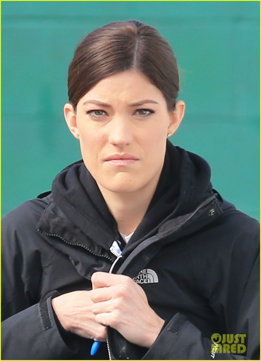 jennifer carpenter finishes up filming sea of fire in canada 113075339