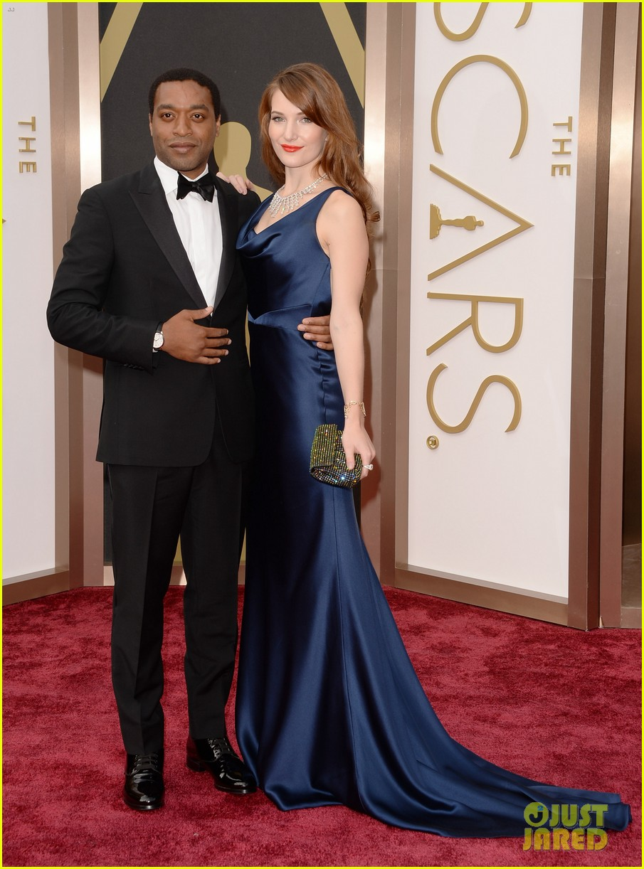 12 year a slave star chiwetel ejiofor attends oscars 2014 with girlfriend sari mercer 023063999