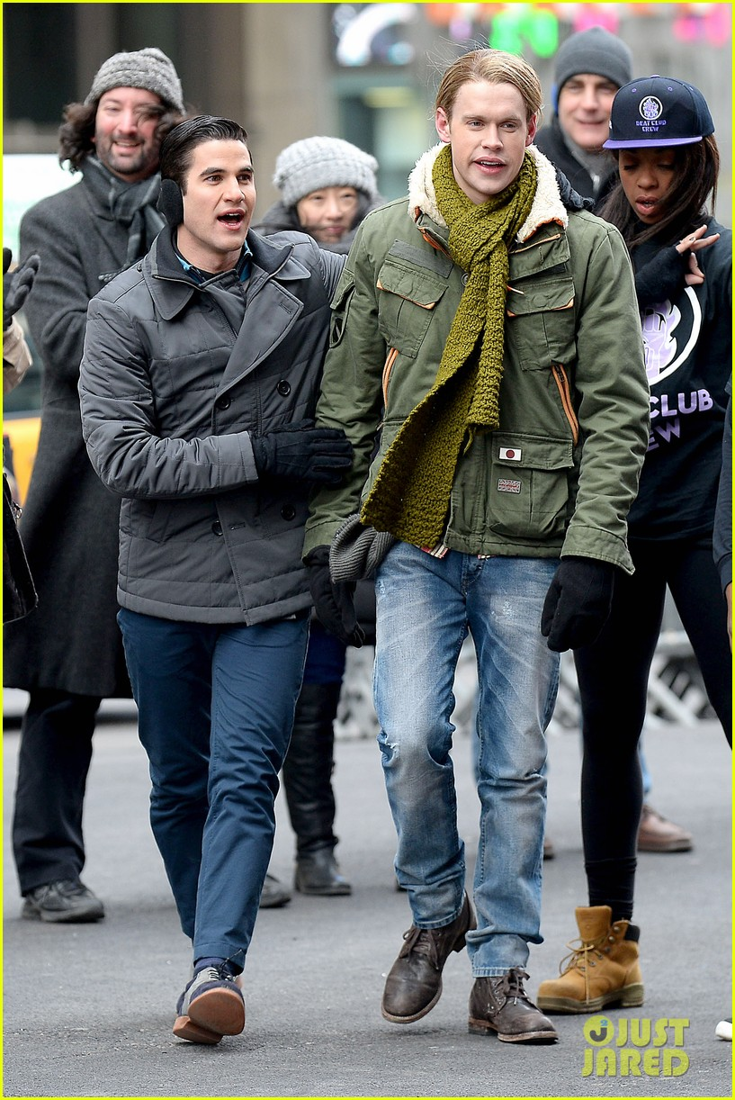 chord overstreet tweets he was arrested after giving darren criss piggy back ride for glee 053071253