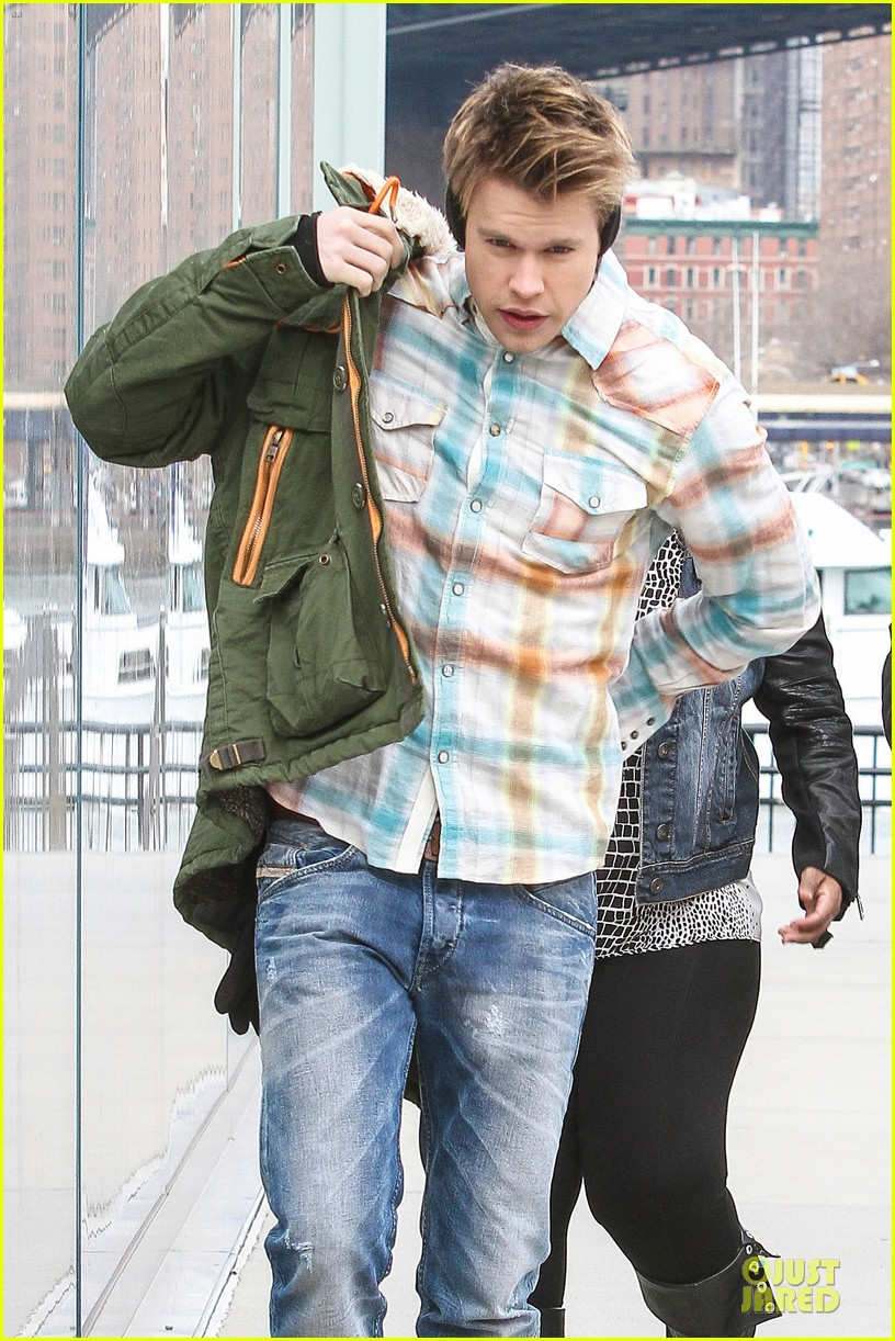 chord overstreet give amber riley jacket to stay warm 123074527