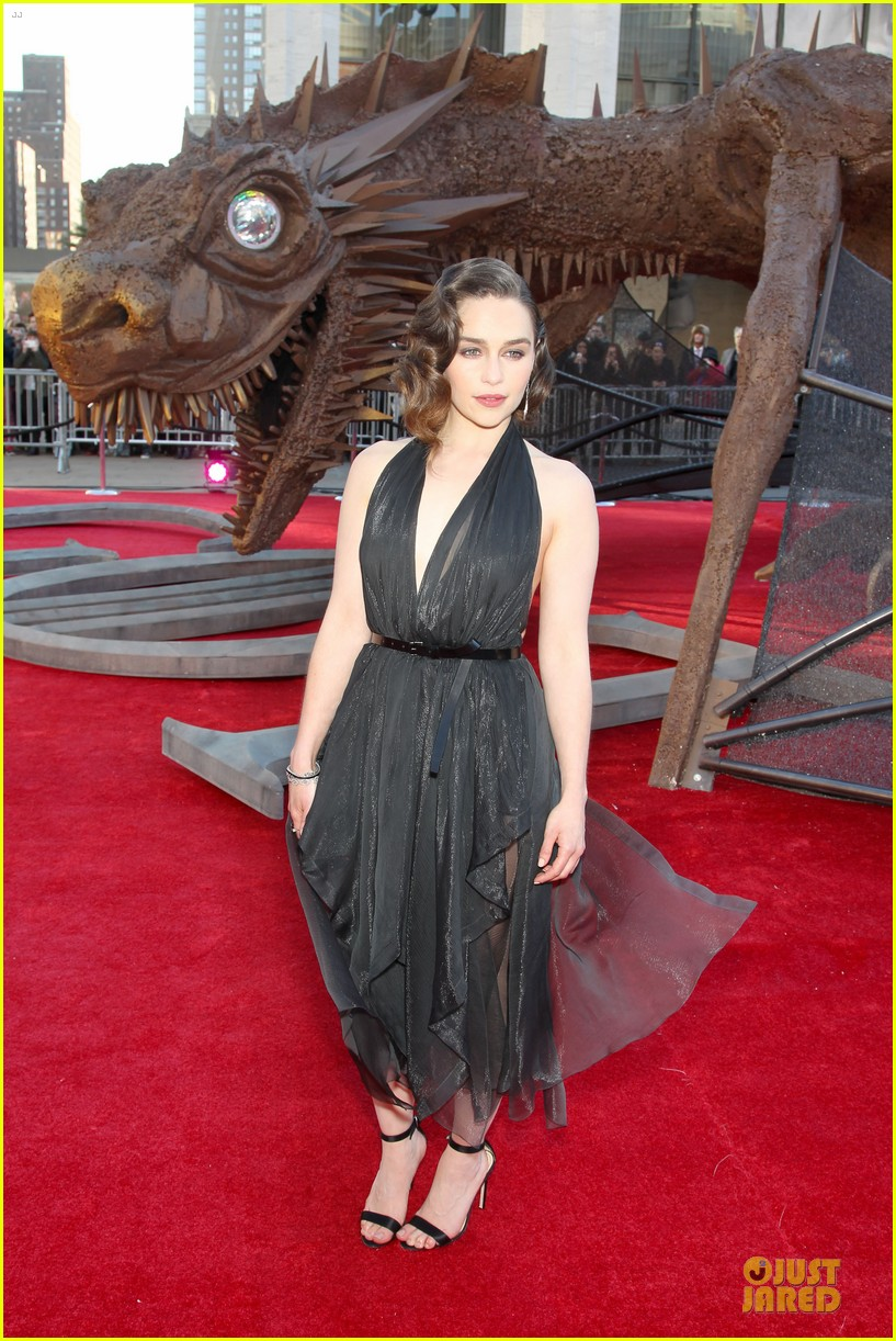 emilia clarke peter dinklage game of thrones season 4 premiere 223074286