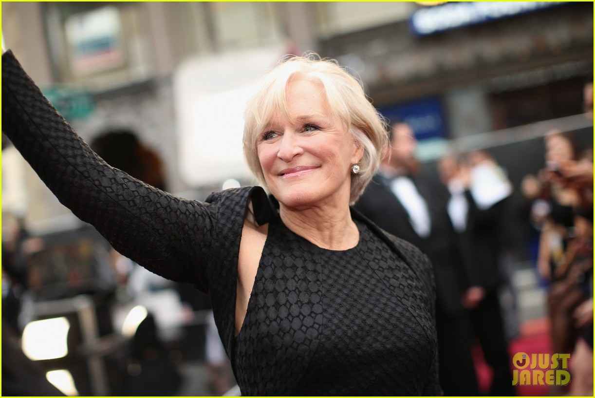 glenn close presents in memorium at oscars 2014 033064186