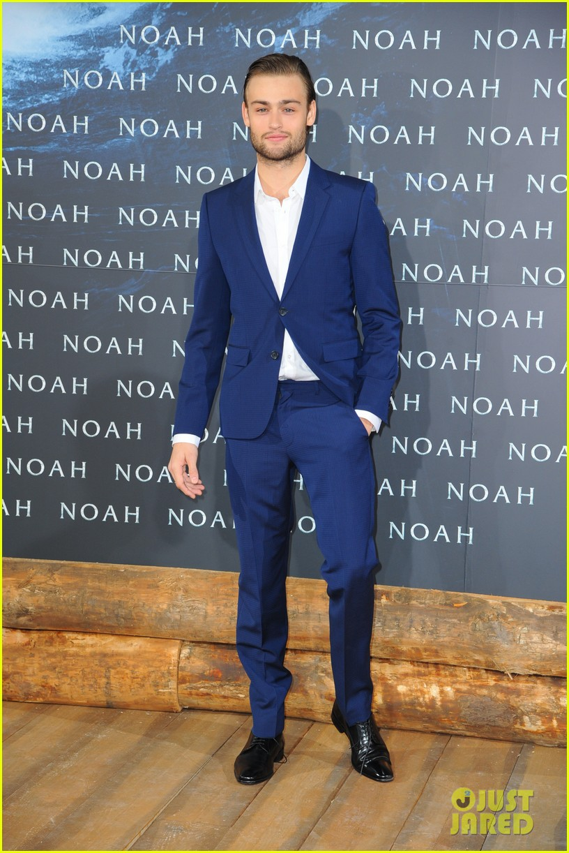 jennifer connelly douglas booth noah premiere in berlin 103071323