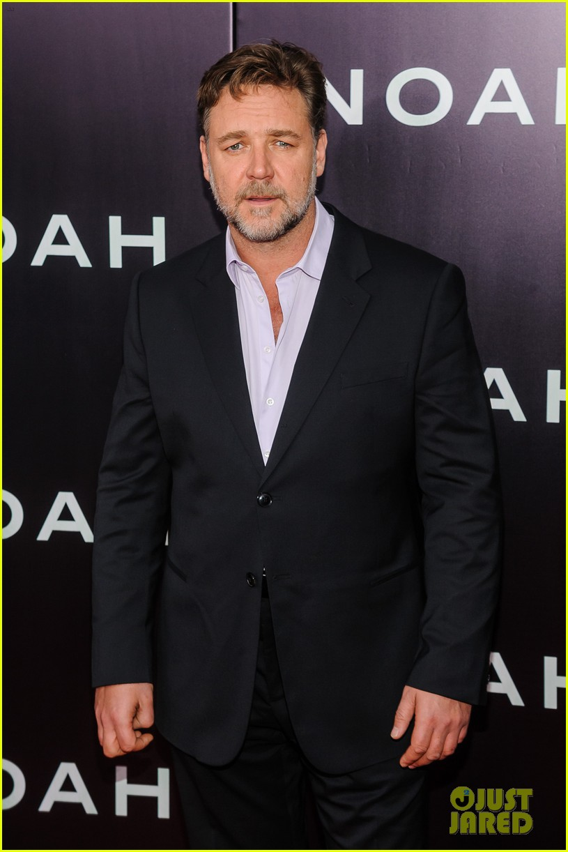 jennifer connelly russell crowe noah nyc premiere 143079192