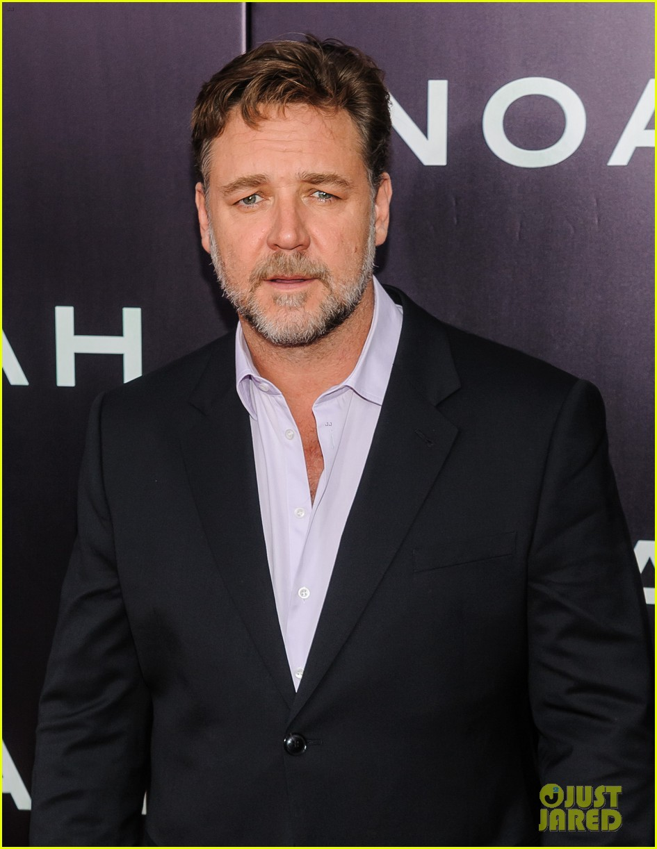 jennifer connelly russell crowe noah nyc premiere 153079193