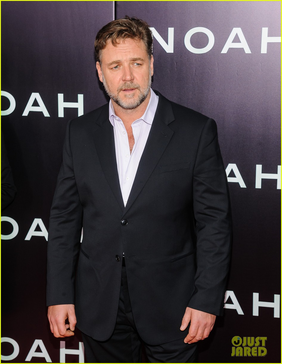 jennifer connelly russell crowe noah nyc premiere 163079194