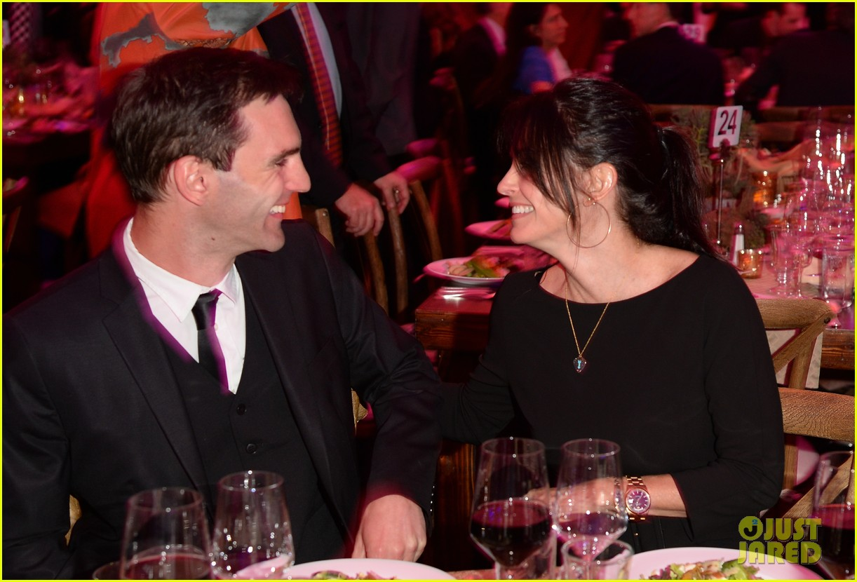 courteney cox boyfriend johnny mcdaid look so in love 133076816