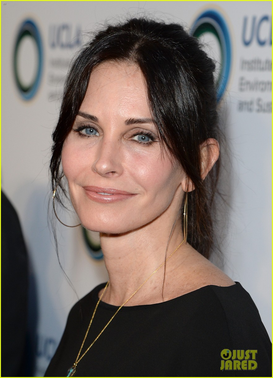 courteney cox boyfriend johnny mcdaid look so in love 193076822