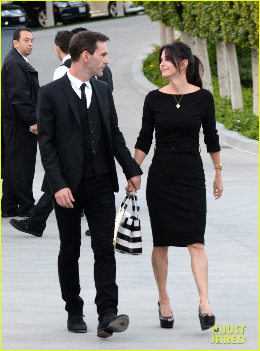 courteney cox boyfriend johnny mcdaid look so in love 233076826