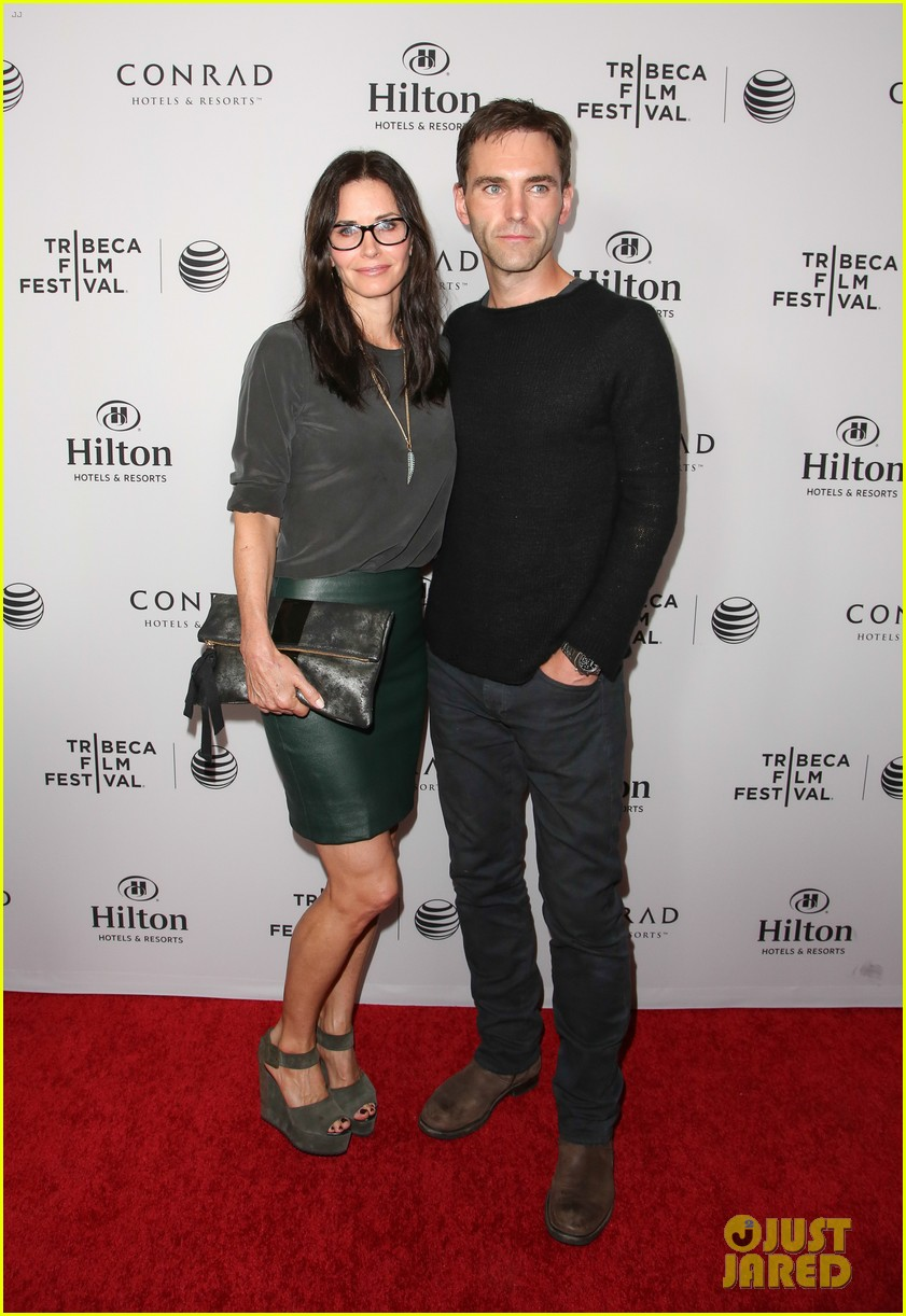 courteney cox johnny mcdaid tribeca film festival 023073824