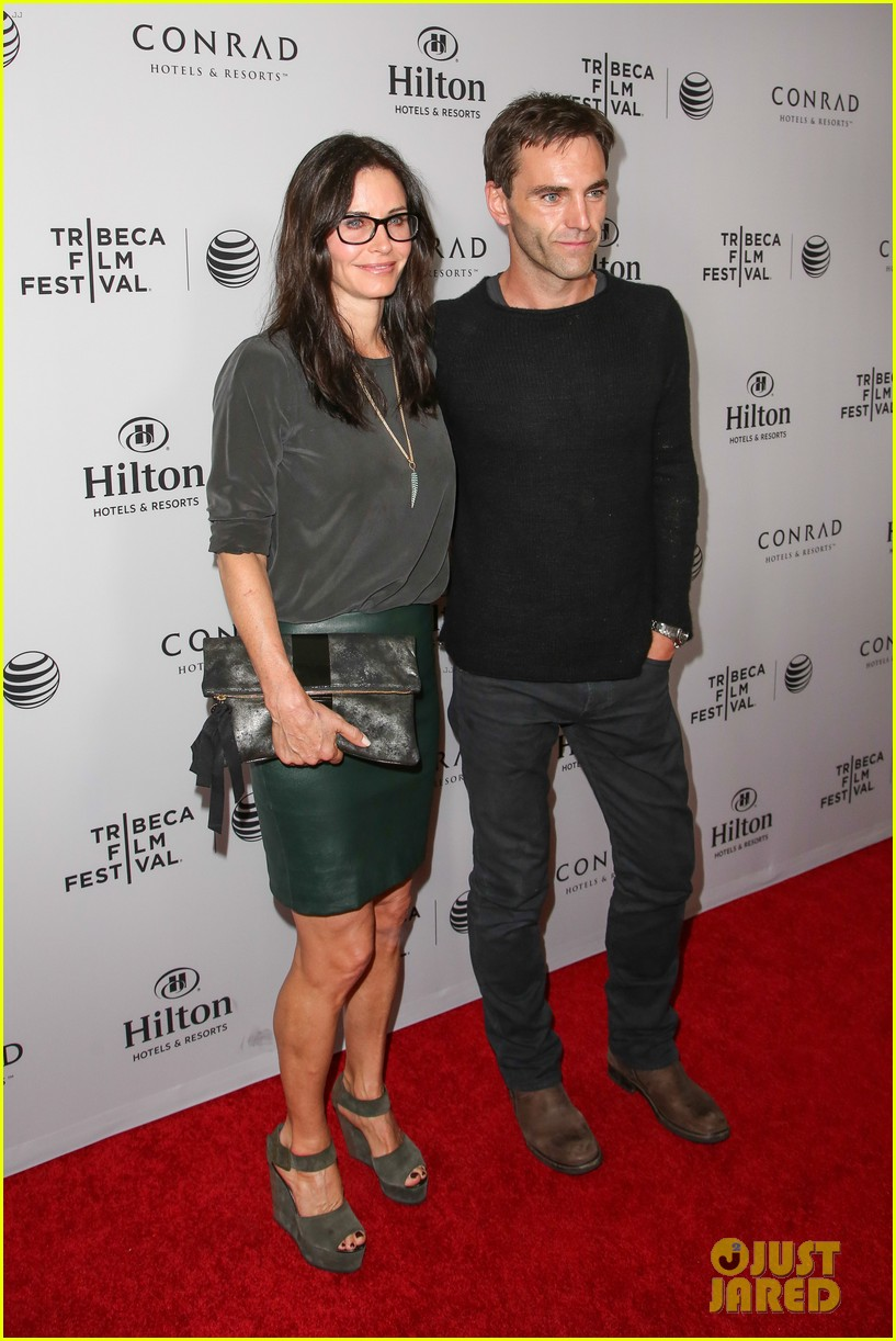 courteney cox johnny mcdaid tribeca film festival 083073830