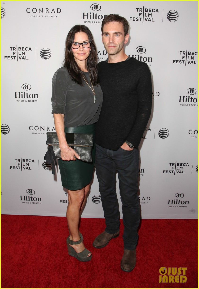 courteney cox johnny mcdaid tribeca film festival 093073831