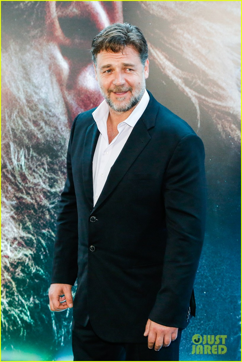 russell crowe opens up about his meeting with pope francis 063076904