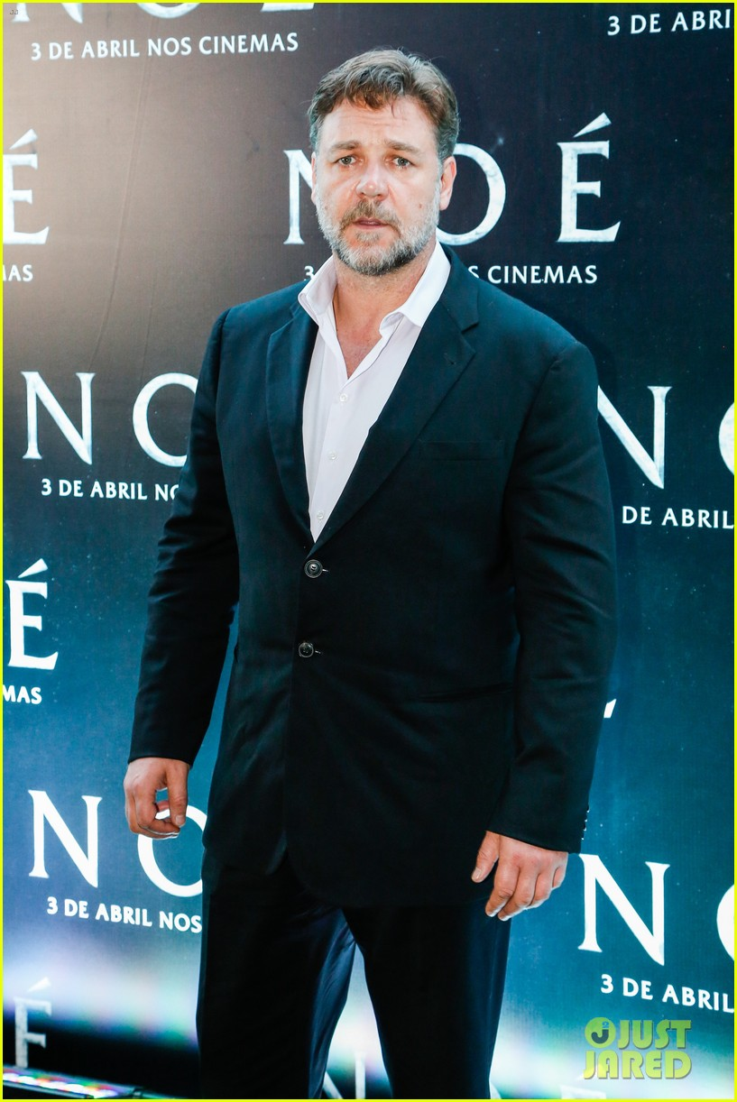 russell crowe opens up about his meeting with pope francis 073076905