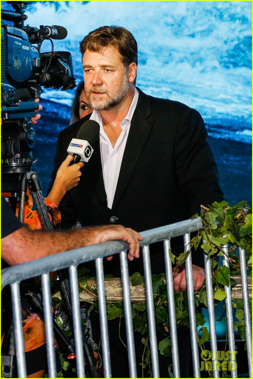 russell crowe opens up about his meeting with pope francis 083076906