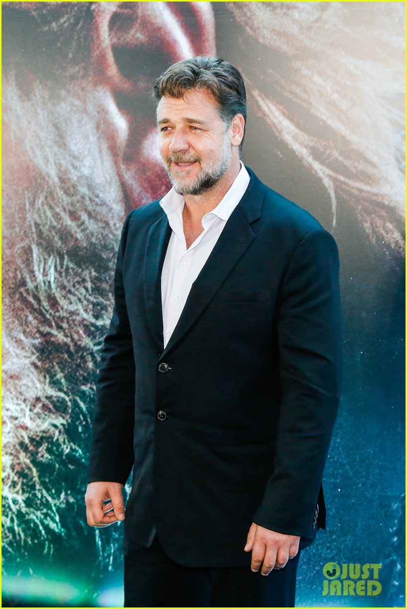 russell crowe opens up about his meeting with pope francis 093076907
