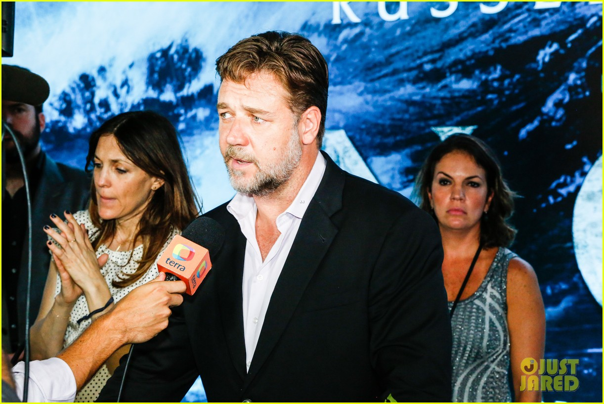 russell crowe opens up about his meeting with pope francis 103076908