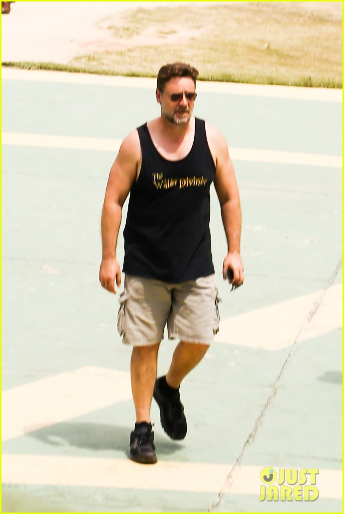 russell crowe opens up about his meeting with pope francis 213076919