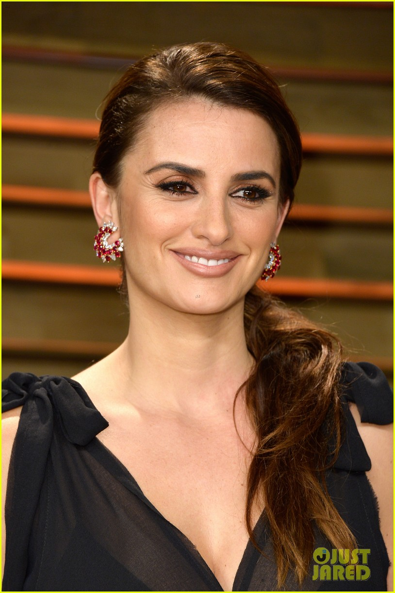penelope cruz gets mistaken for salma hayek at oscars 2014 023064716