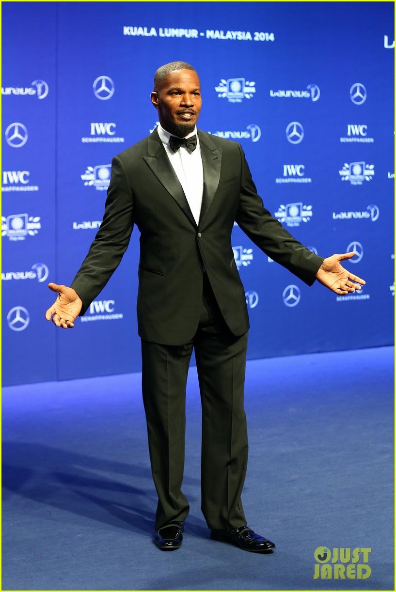 benedict cumberbatch looks mighty fine hosting sports award show 073078879