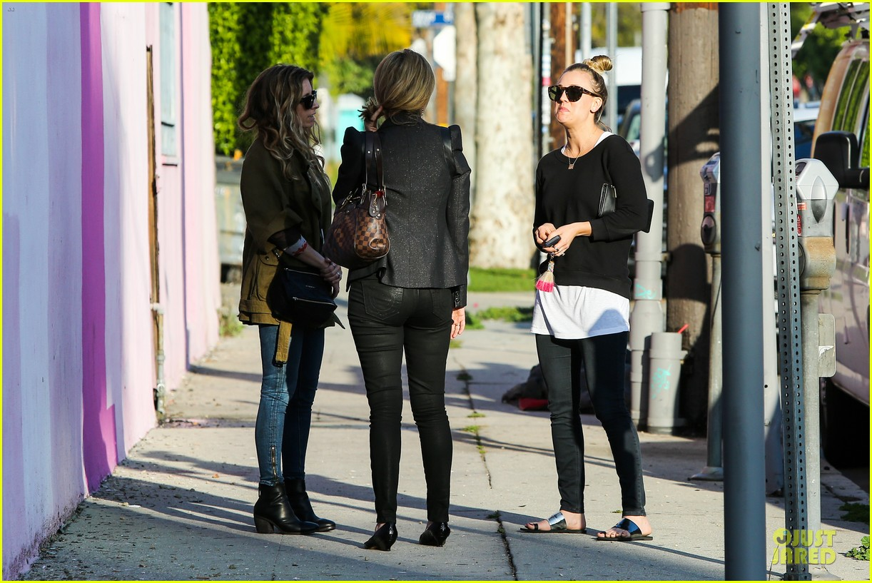 kaley cuoco cant wait for children 033068069