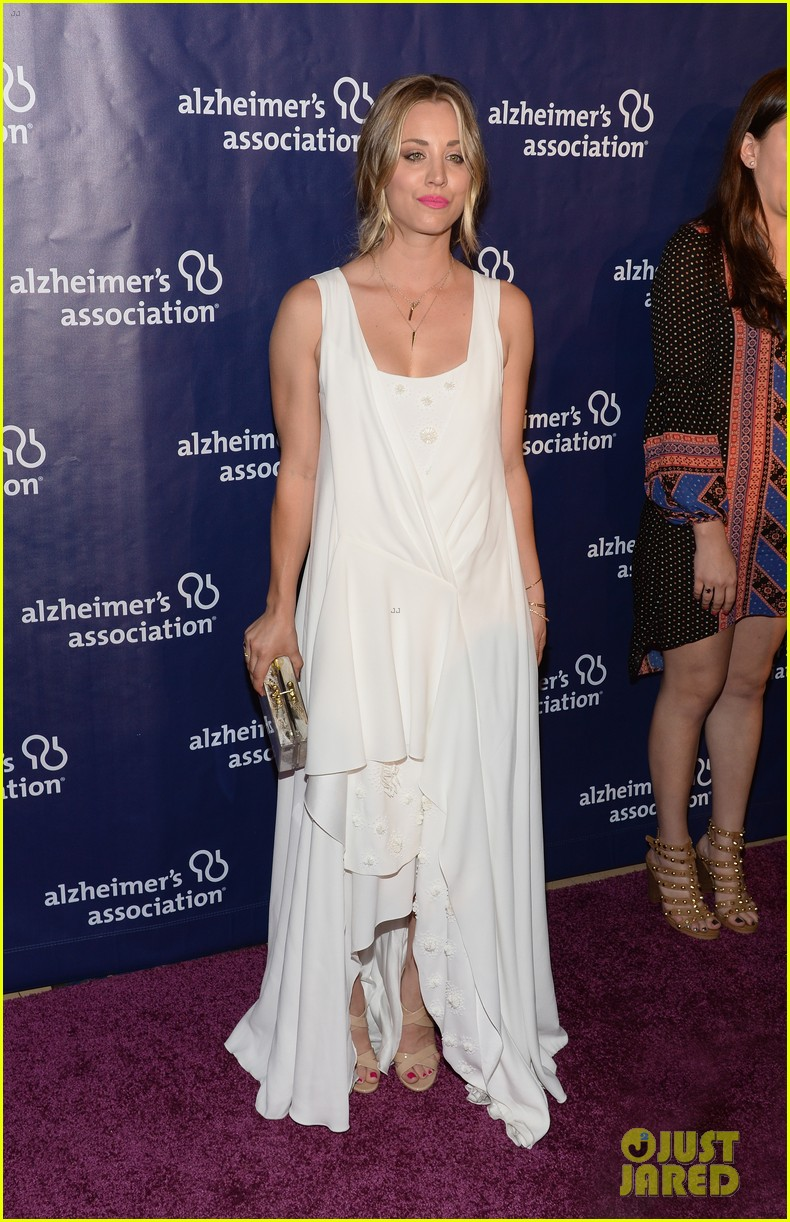 kaley cuoco attends a night at sardis with ryan sweeting sister briana 093079553
