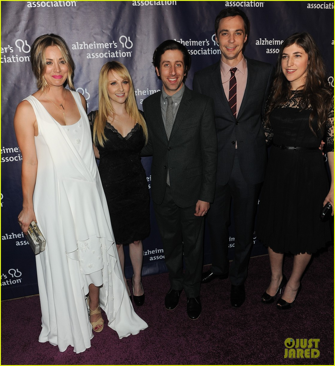 kaley cuoco attends a night at sardis with ryan sweeting sister briana 153079559