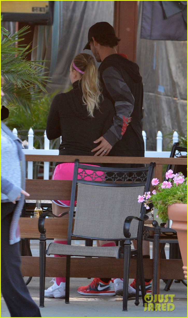 kaley cuoco ryan sweeting compete in tennis match end game with a sweet smooch 033076997