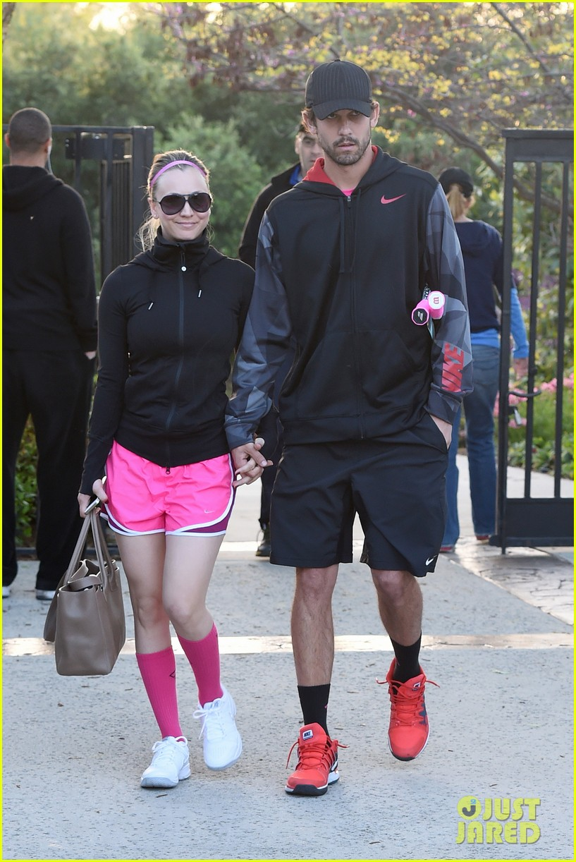 kaley cuoco ryan sweeting compete in tennis match end game with a sweet smooch 043076998