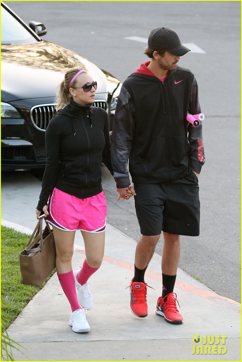 kaley cuoco ryan sweeting compete in tennis match end game with a sweet smooch 083077002