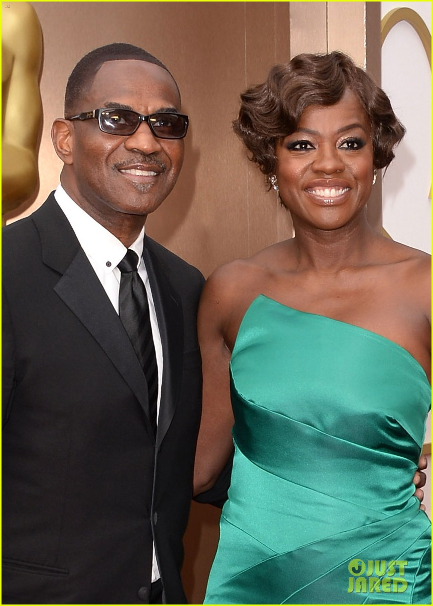 viola davis oscars 2014 red carpet with husband julius tennon 013063732