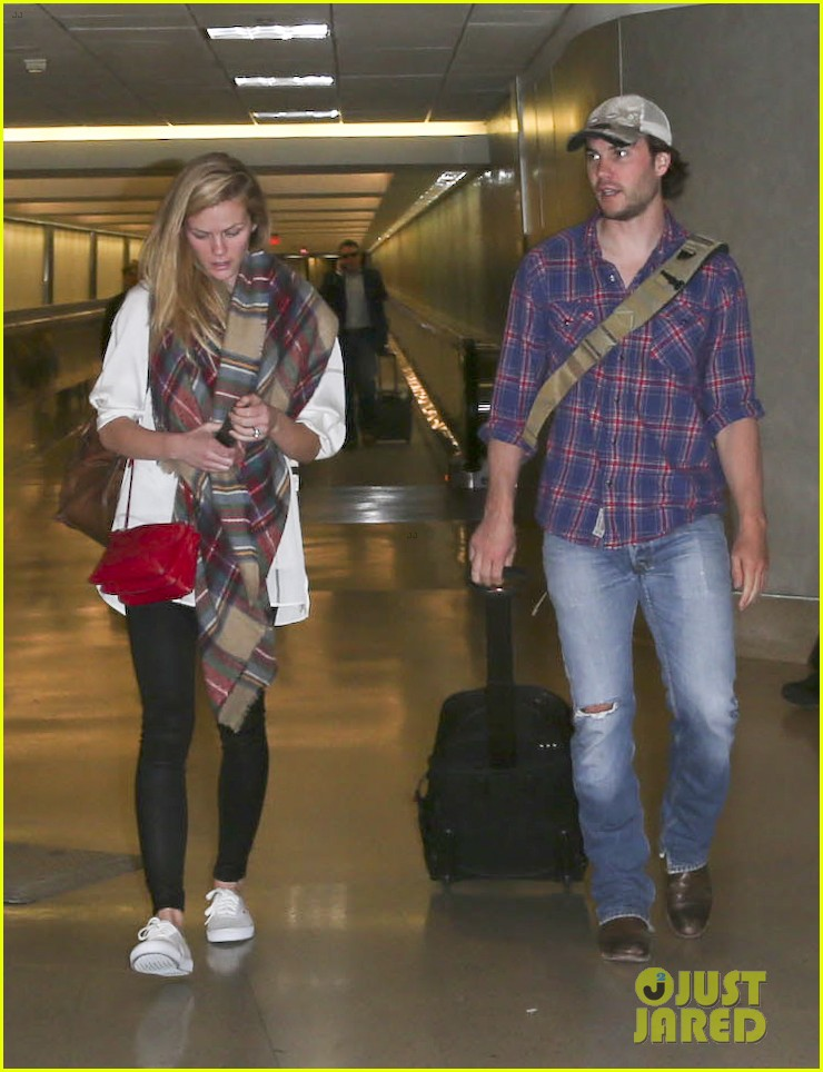 brooklyn decker taylor kitsch battleship reunion lax 143073646