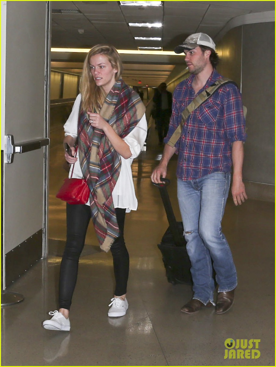brooklyn decker taylor kitsch battleship reunion lax 173073649
