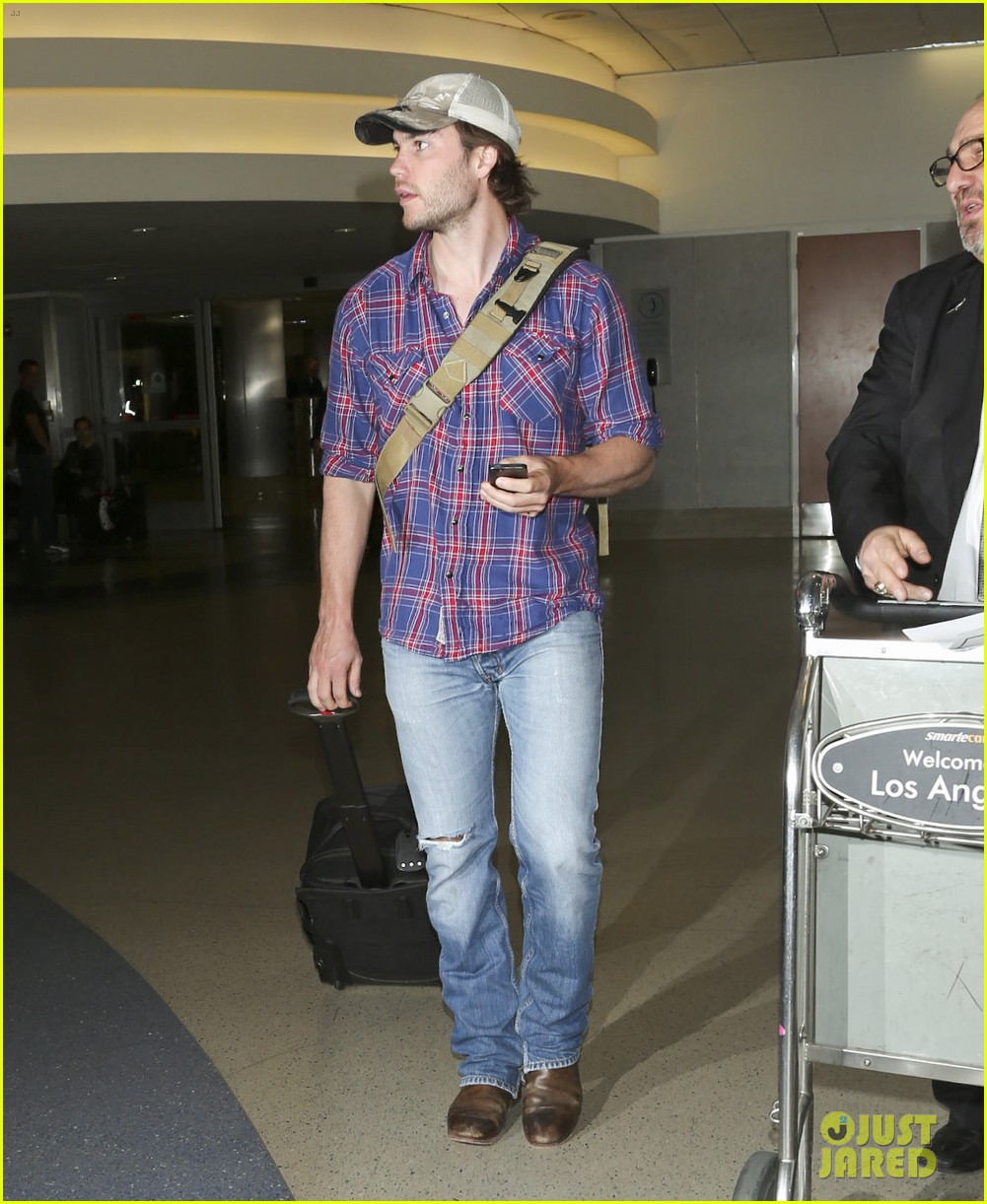 brooklyn decker taylor kitsch battleship reunion lax 293073661
