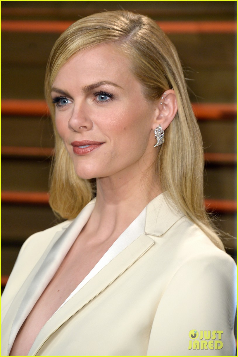 brooklyn decker attends vanity fair party with andy roddick 013064632