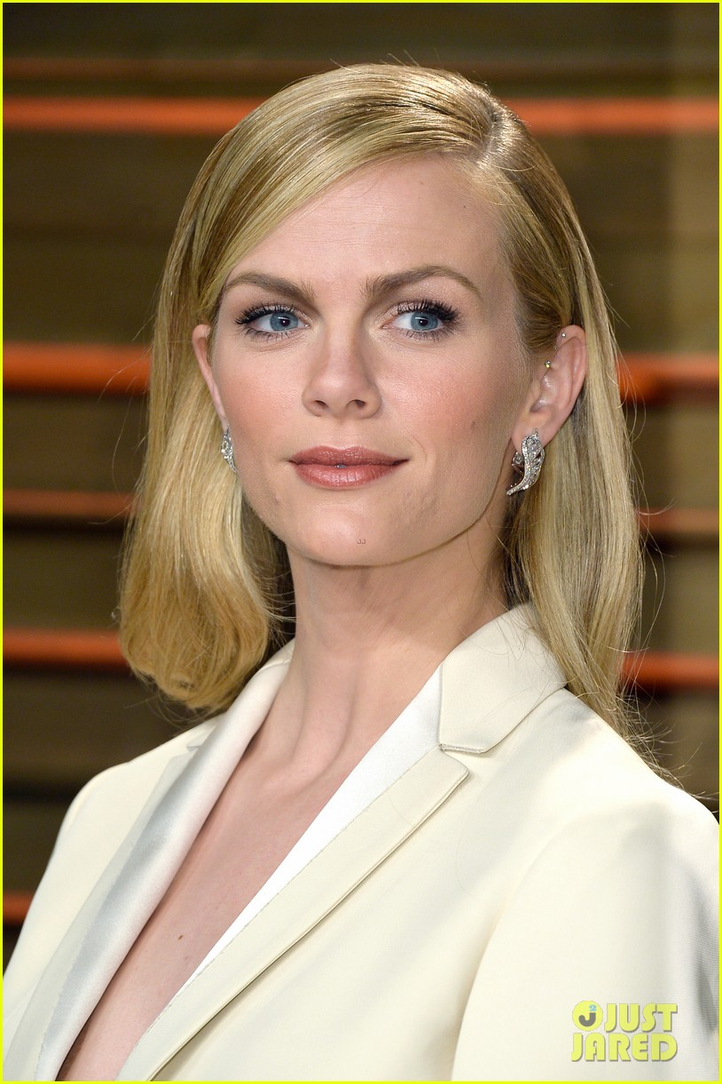brooklyn decker attends vanity fair party with andy roddick 063064637