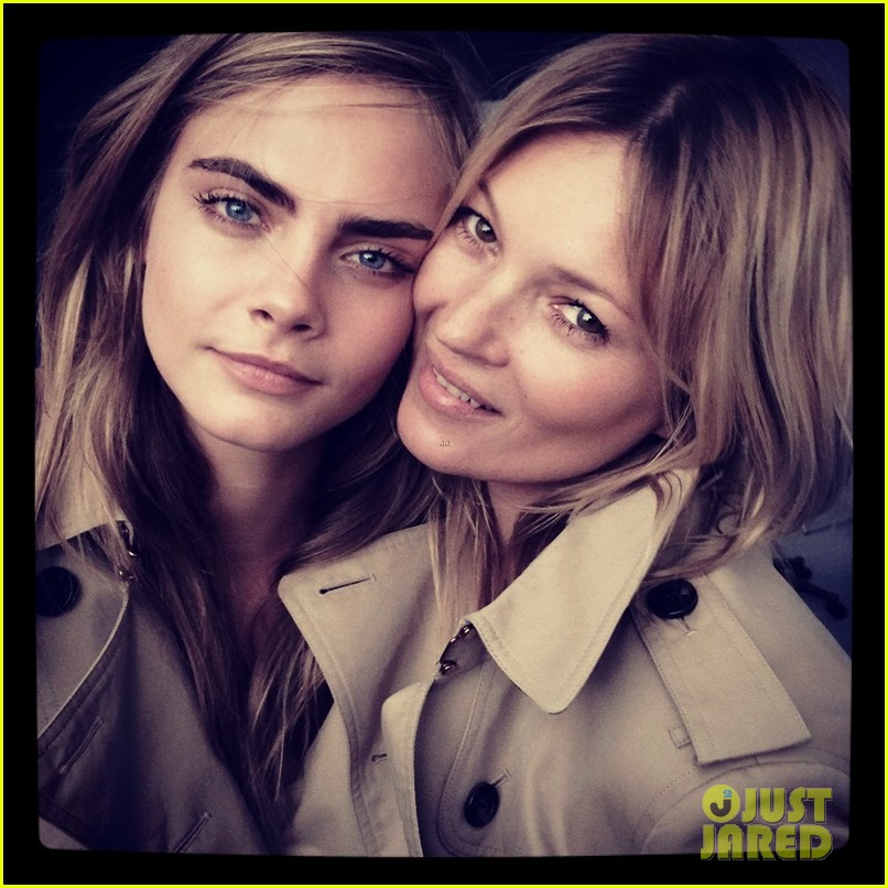 cara delevingne kate moss team up for new burberry fragrance 1.3070295