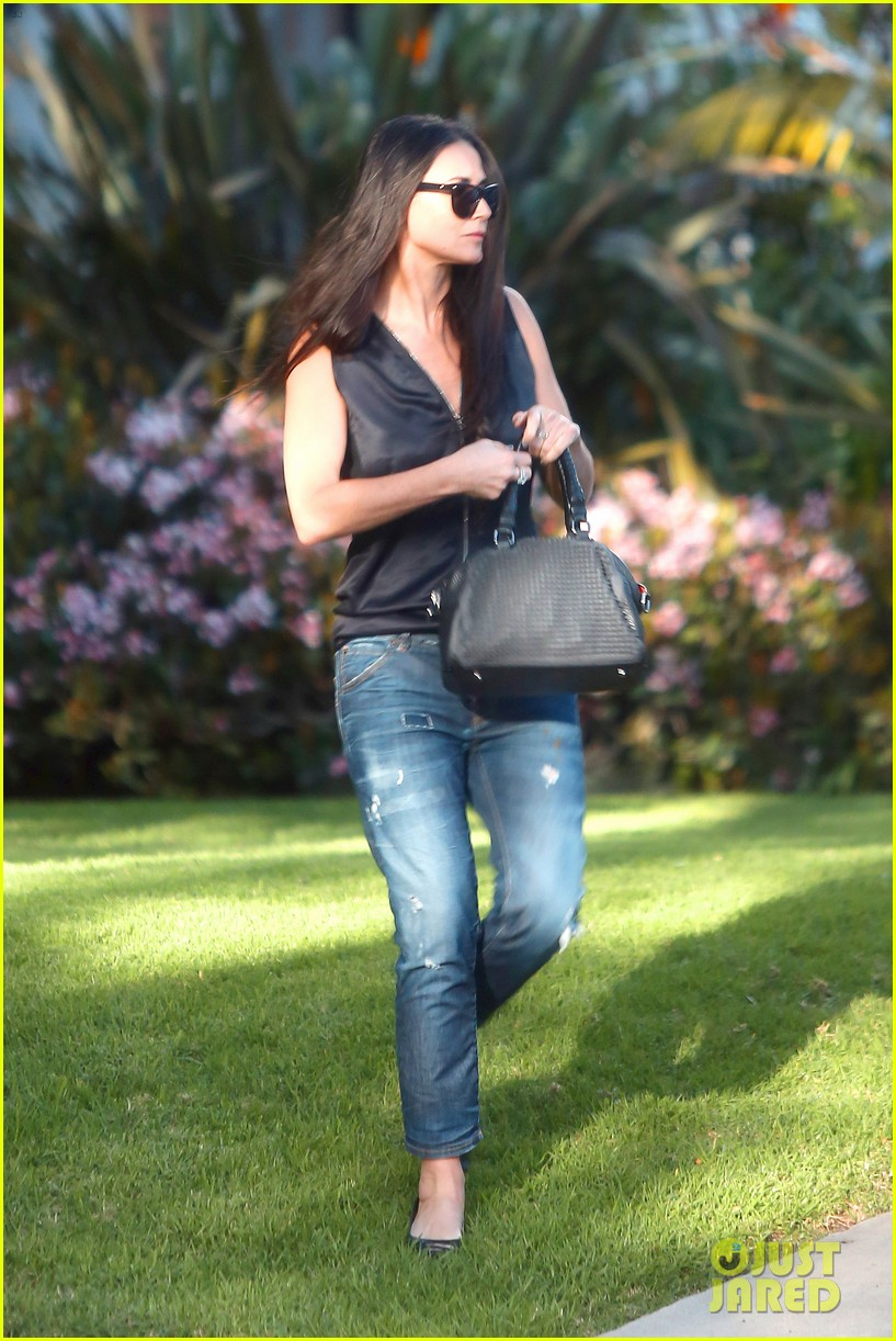 demi moore birthday party boyfriend jeans 023072785