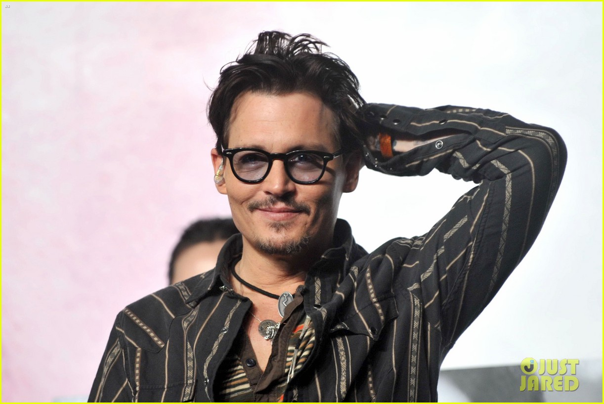 johnny depp confirms engagement chick ring 273082215