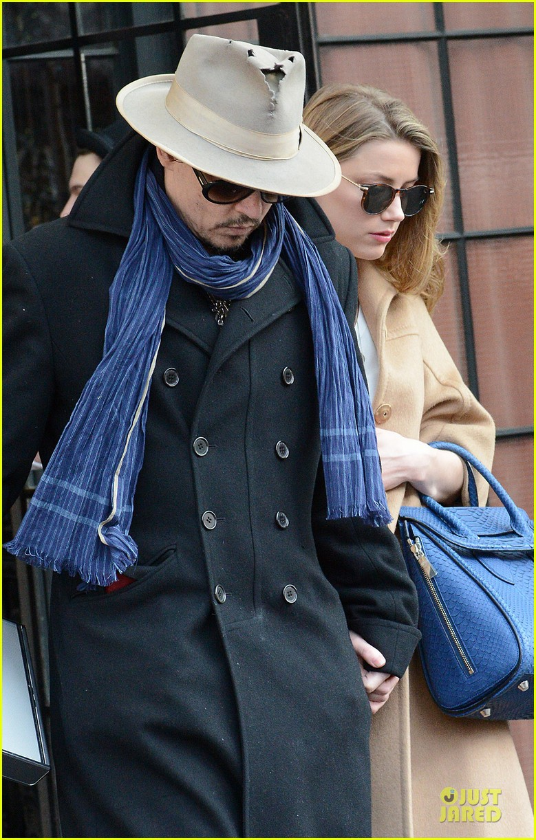 johnny depp amber heard hold on tight in nyc 023076594