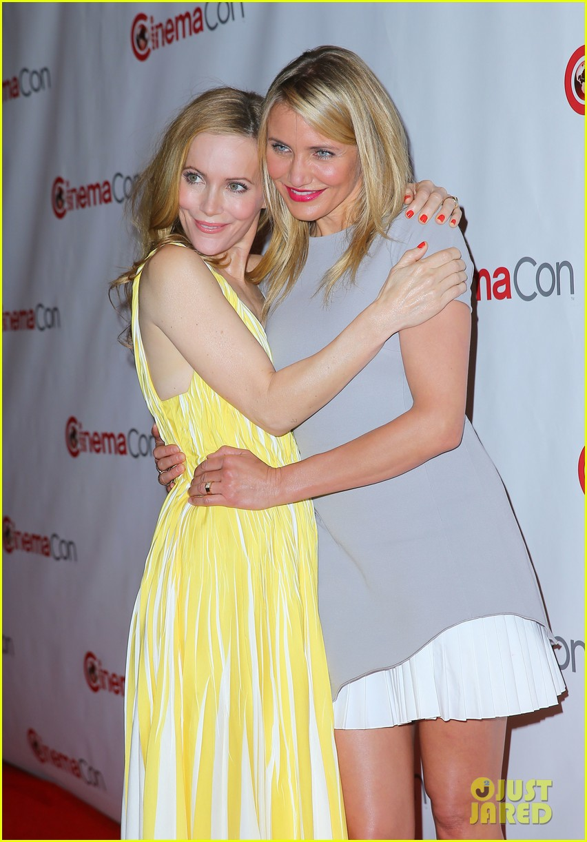 cameron diaz leslie mann let no other woman between them at cinemacon 023079808