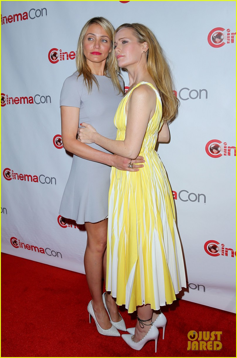 cameron diaz leslie mann let no other woman between them at cinemacon 183079824
