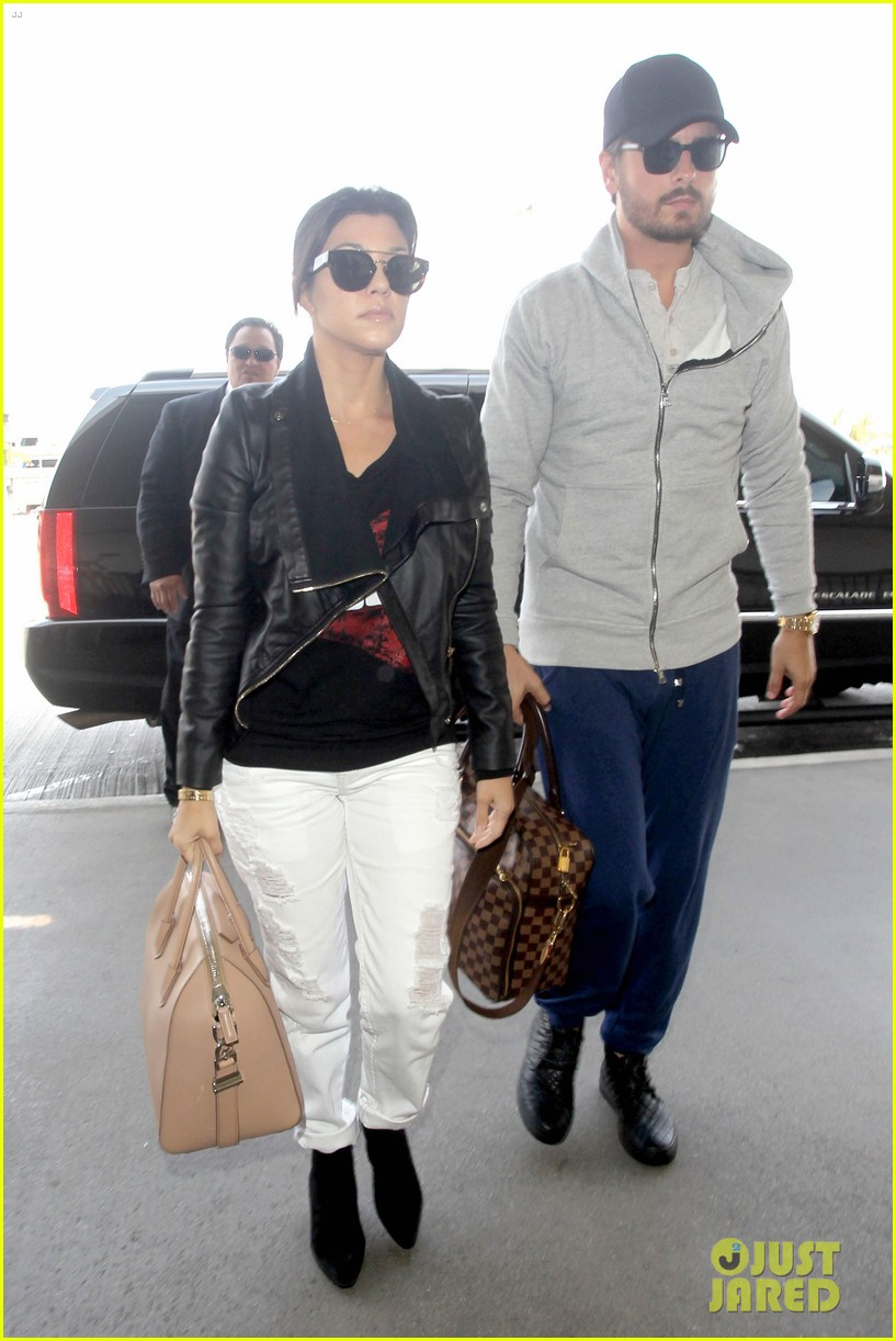scott disick leaves little to the imagination 113077277