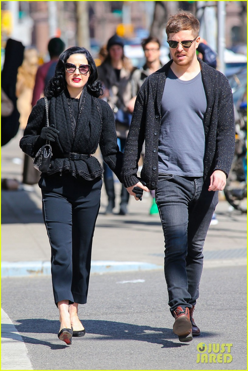 dita von teese holds hands with mystery man nyc 033072953